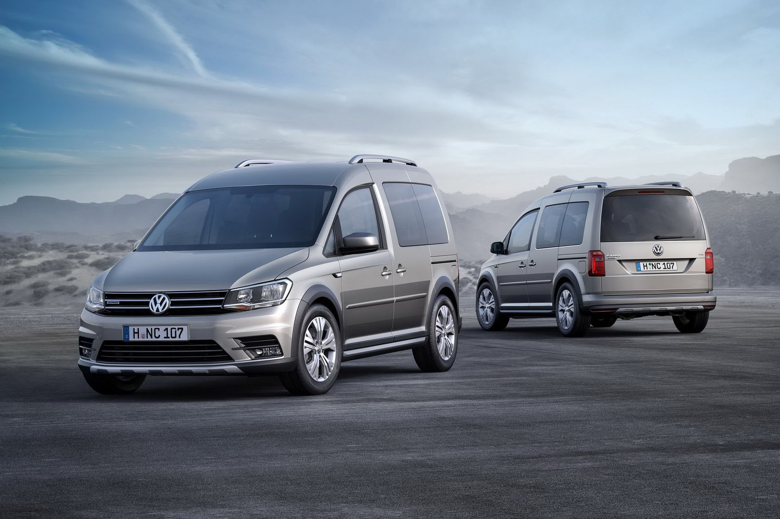 http://avtomaniya.com/pubsource/photo/11031/vw-caddy-alltrack-8jpg.jpg