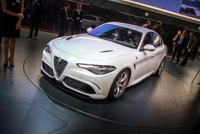 «Горячая» Alfa Romeo Giulia быстрее BMW M5