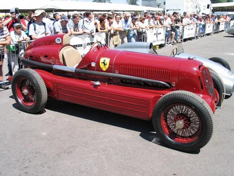 11 авто, оснащенных двумя двигателями
