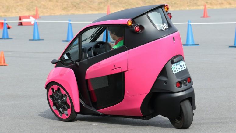 Трехколесная Toyota i-Road готова к производству
