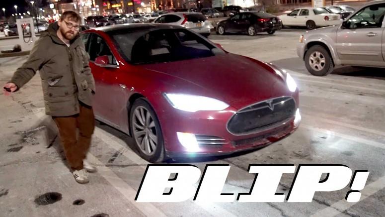 Tesla добавила функцию «следовать за хозяином»: видео