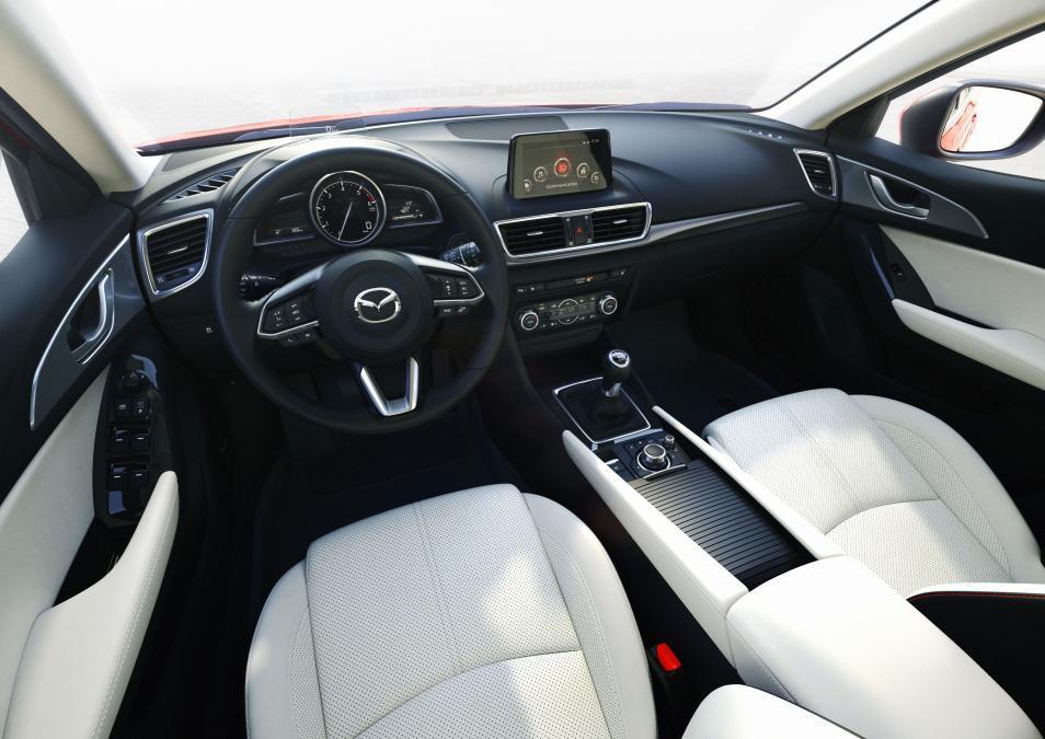 Начались продажи новых моделей Mazda
