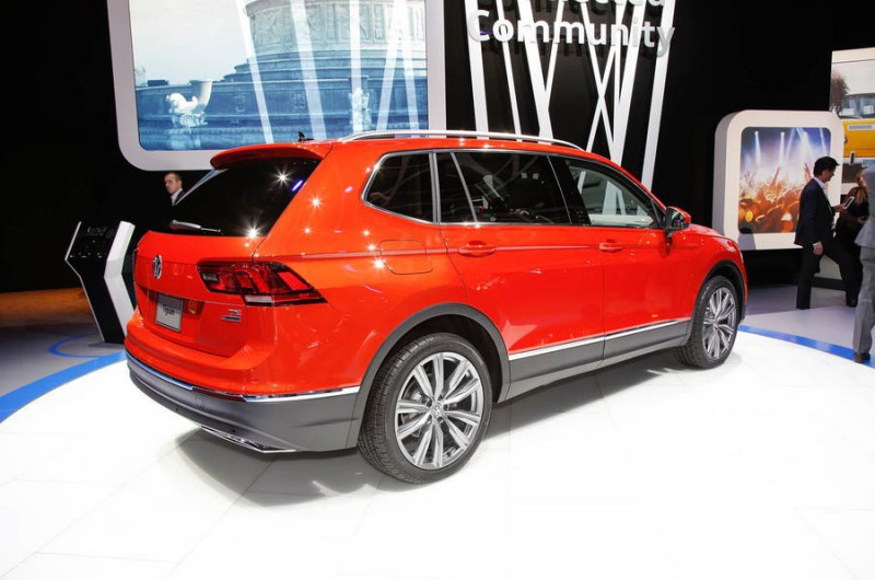 Новый 7-местный Volkswagen Tiguan Allspace показали в Детройте