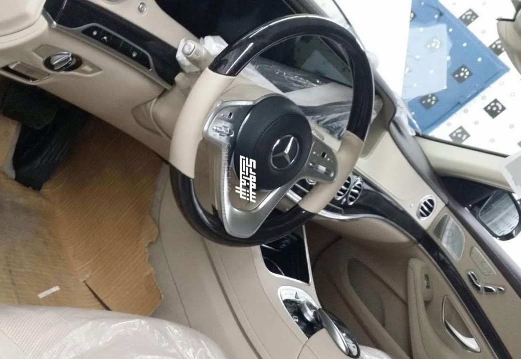 Mercedes-Benz S-Class 2018: новый мотор, обновленный салон и экстерьер