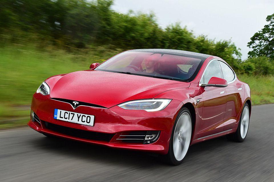В мире появилась Model S с пробегом почти 1 млн. км.