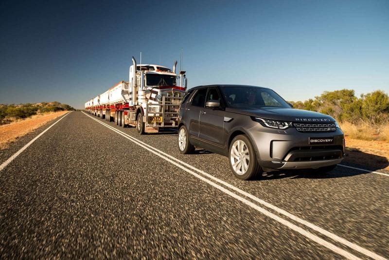 Может ли Land Rover Discovery буксировать 120-тонный автопоезд [видео]