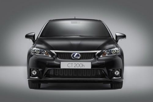 У Lexus появилась новая модель: CT 200h F-Sport