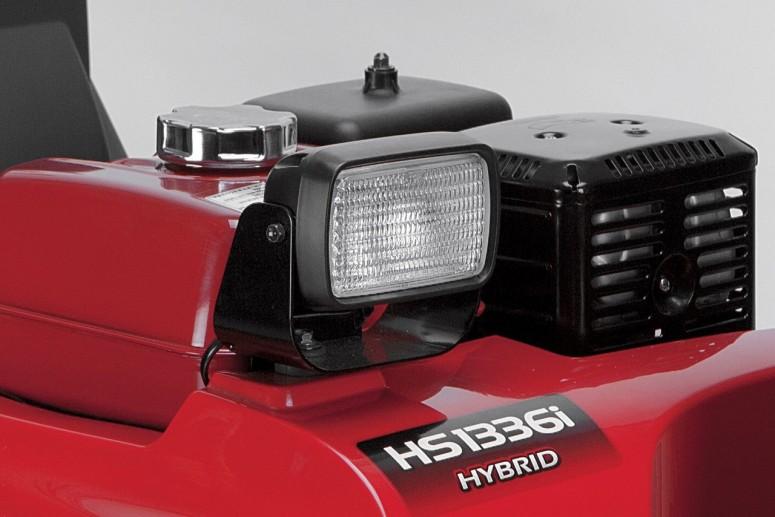 В компании заявляют, что гибридные снегоуборочные машины снижают расход топлива, вредные выбросы, шум и вибрацию по...