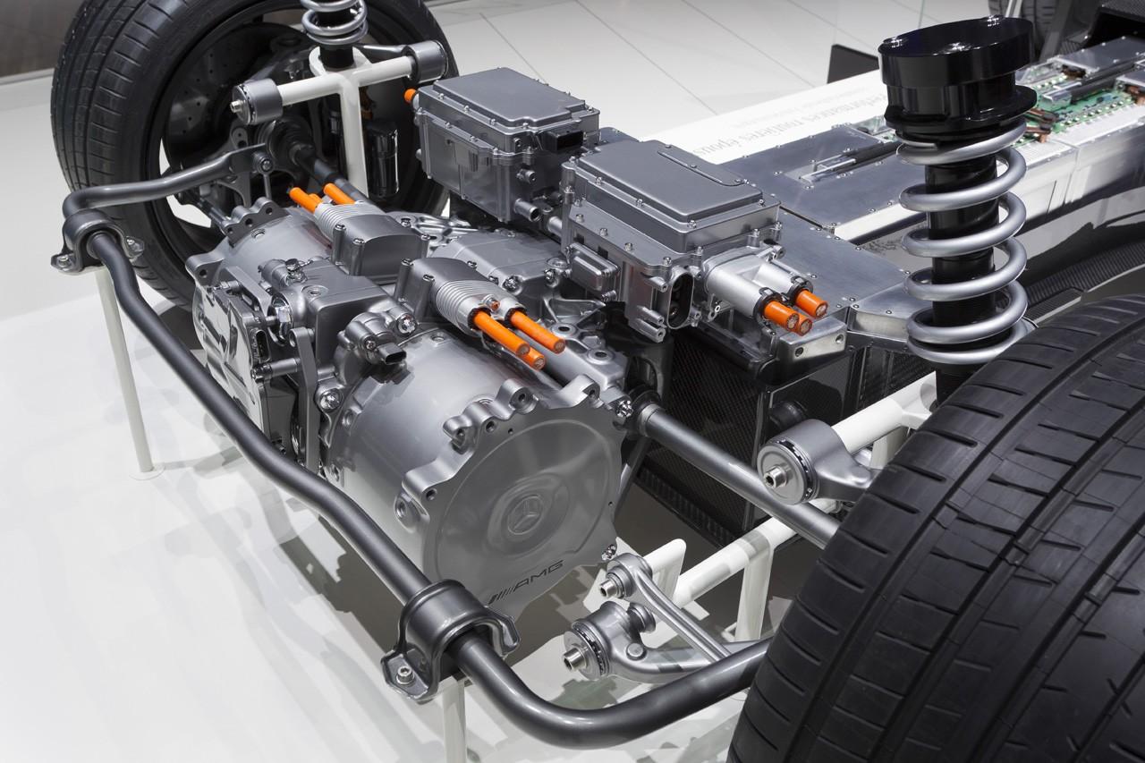 описание двигателя для автомобиля тесла модель х человек знает