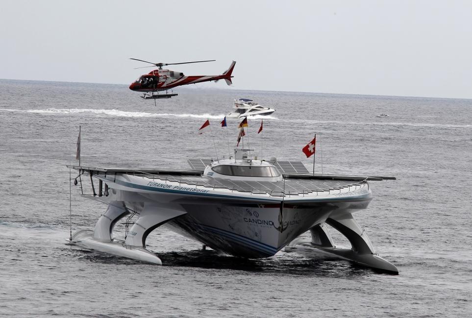 пересек в одиночку атлантический океан на гребной лодке
