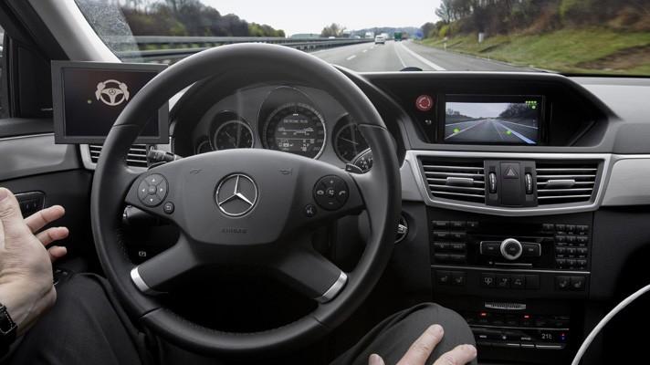Автопилот от Mercedes-Benz почти готов :: АвтоМания
