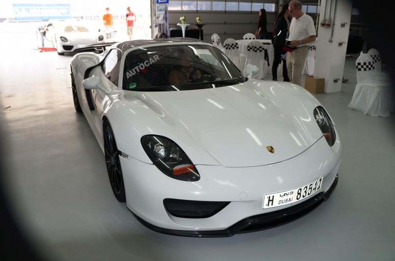 На тестах Porsche показала арабам предсерийную версию 918 Spyder