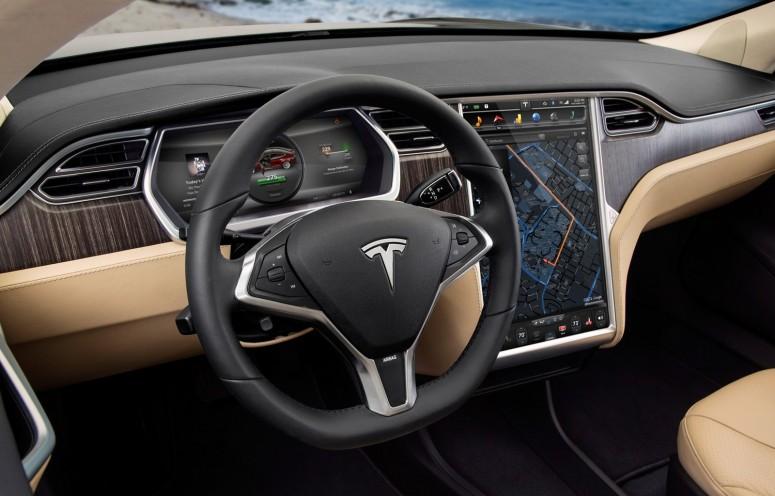 Tesla намекает на «лучшую в мире» гарантию и обслуживание