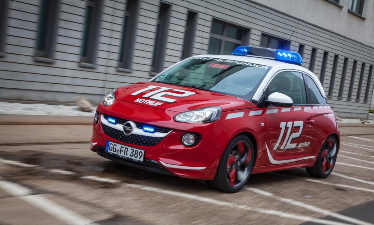 opel-adam-fire-engine-12jpg.jpg