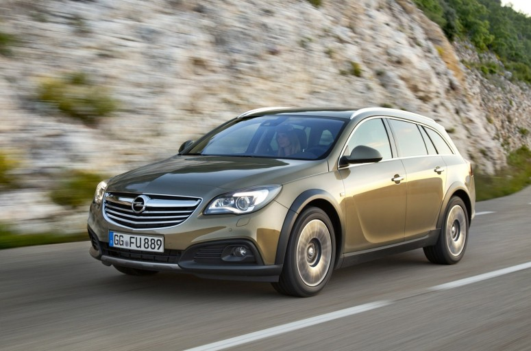 http://avtomaniya.com/pubsource/photo/6364/opel-insignia-country-tourer-3jpg_small.jpg