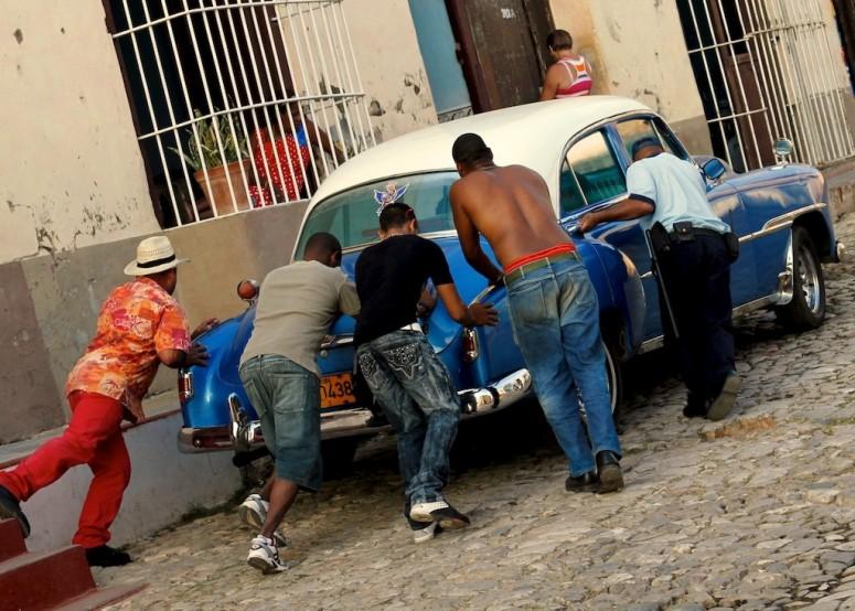 На Кубе сняли запрет на покупку новых автомобилей