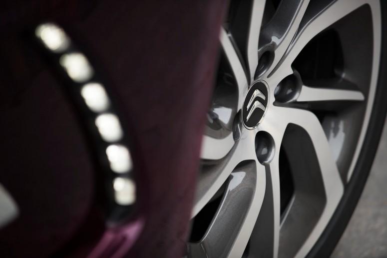 Citroen обновил DS 3 и DS 3 Cabrio [фото & видео]