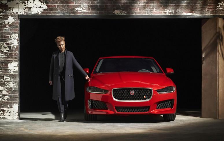 Jaguar XE: впервые без камуфляжа