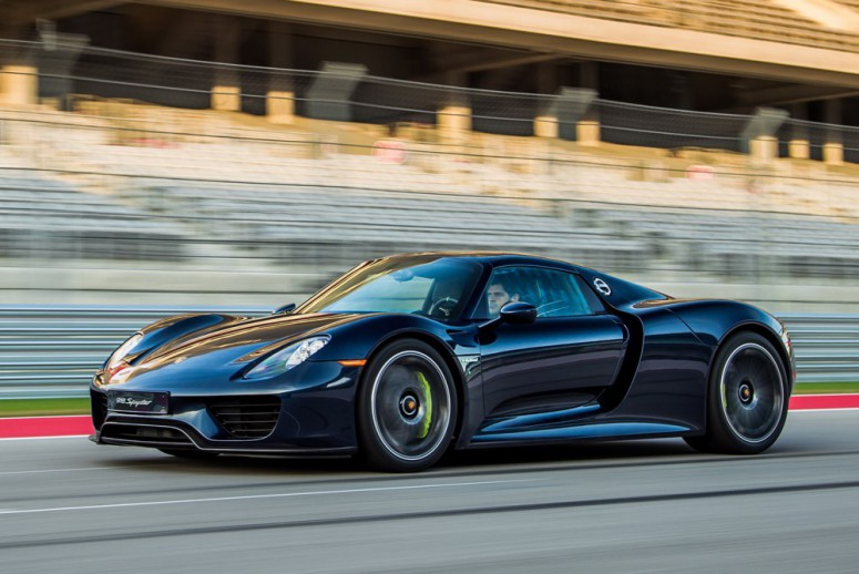 Семь лучших машин с расходом 5 литров на сотню