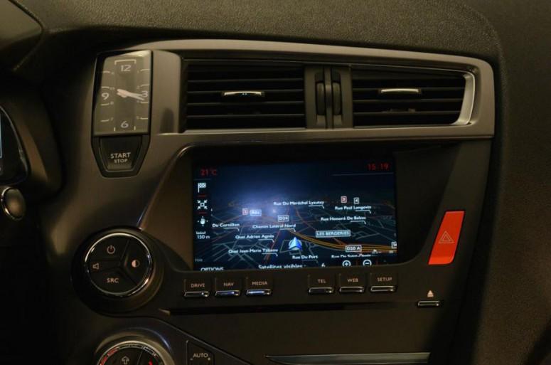 Оновлений 2016 Citroen DS5 показали, не чекаючи Женевського дебюту